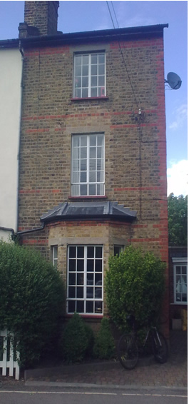 Vickies, well hard, beautifully built Victorian,  3 storey semi detached cottage in Twickenham.